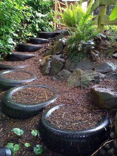 Дорожки из шин для сада и огорода своими руками