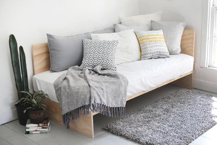 Как сделать диван своими руками из матраса