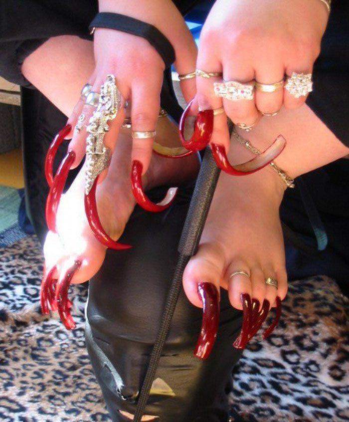 Самые красивые и длинные ногти в мире