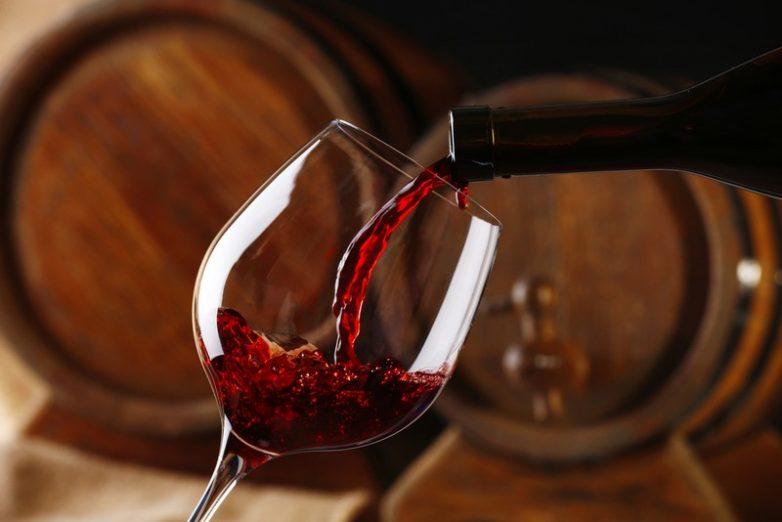Как выбрать качественное вино и распознавать подделку?