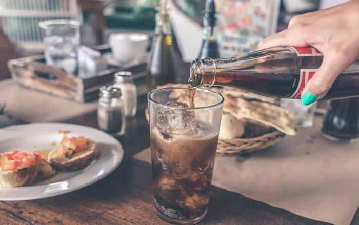 Как остудить напиток за пару минут