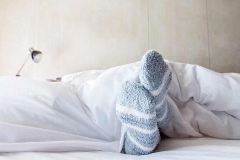 5 причин надевать носки на ночь