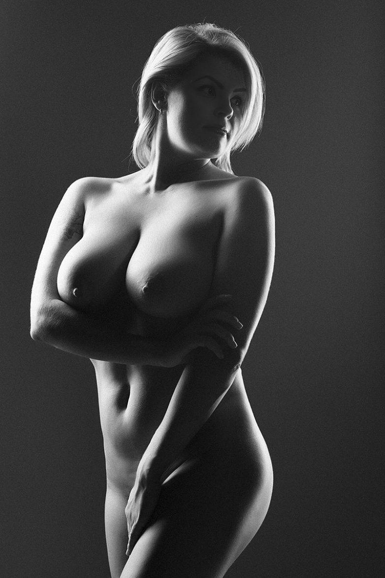 Женское и эротичное фото что