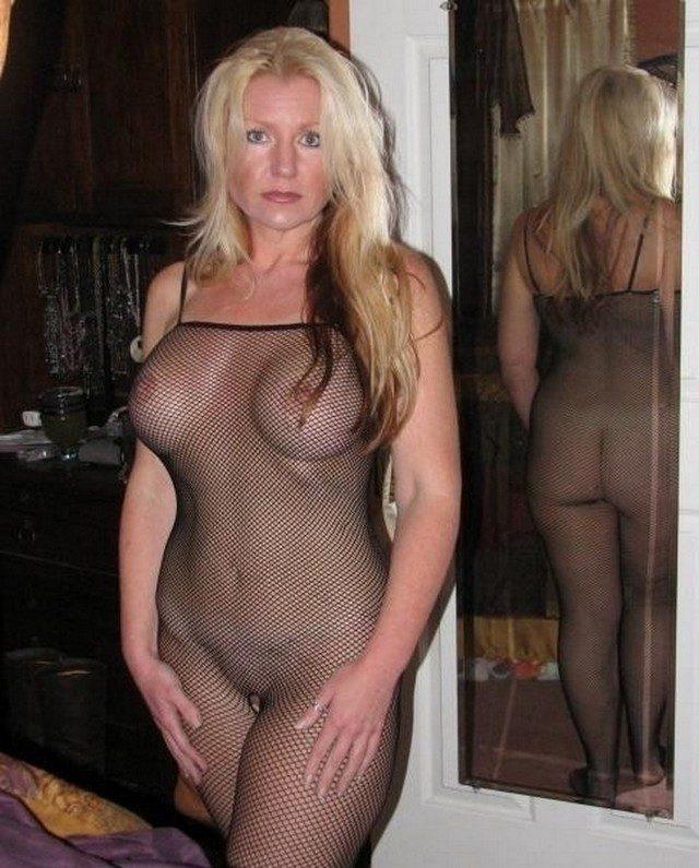 зрелые в прозрачном белье порно фото