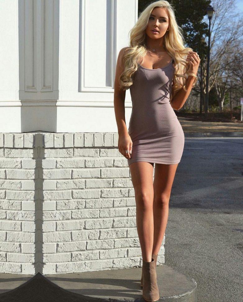 Фото порно в обтягивающих платьях мини фото