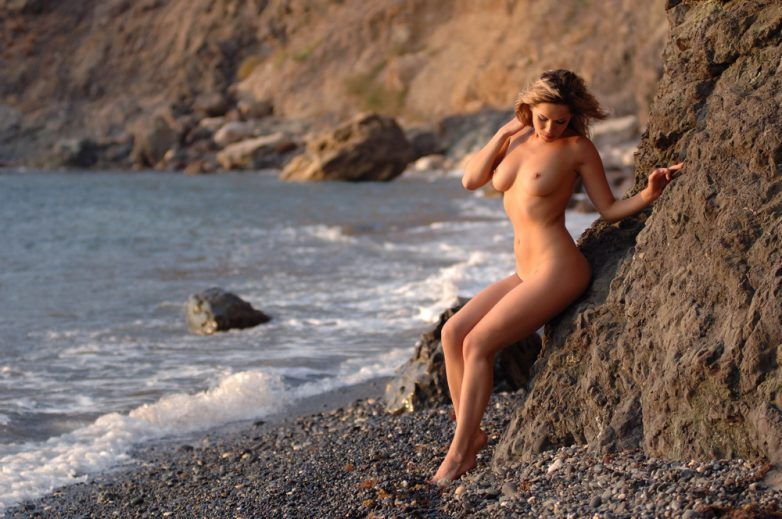 Видео пляжная клубничка