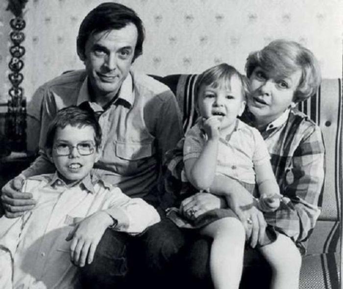 Полвека беззаветной любви Георгия Тараторкина и Екатерины Марковой. Семейный портрет