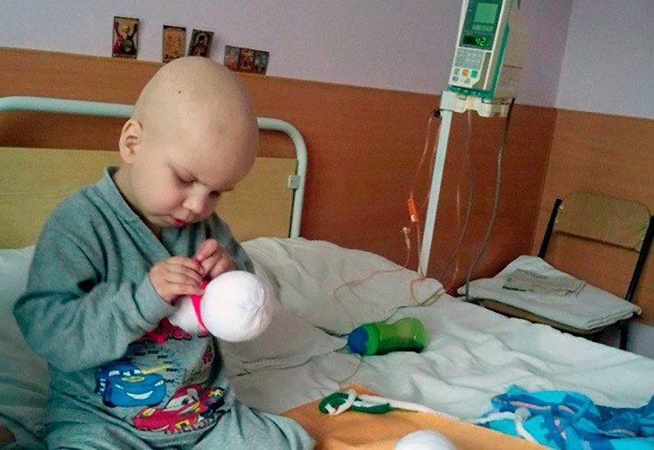 Ему 4 года, а он уже сам заработал на лечение рака