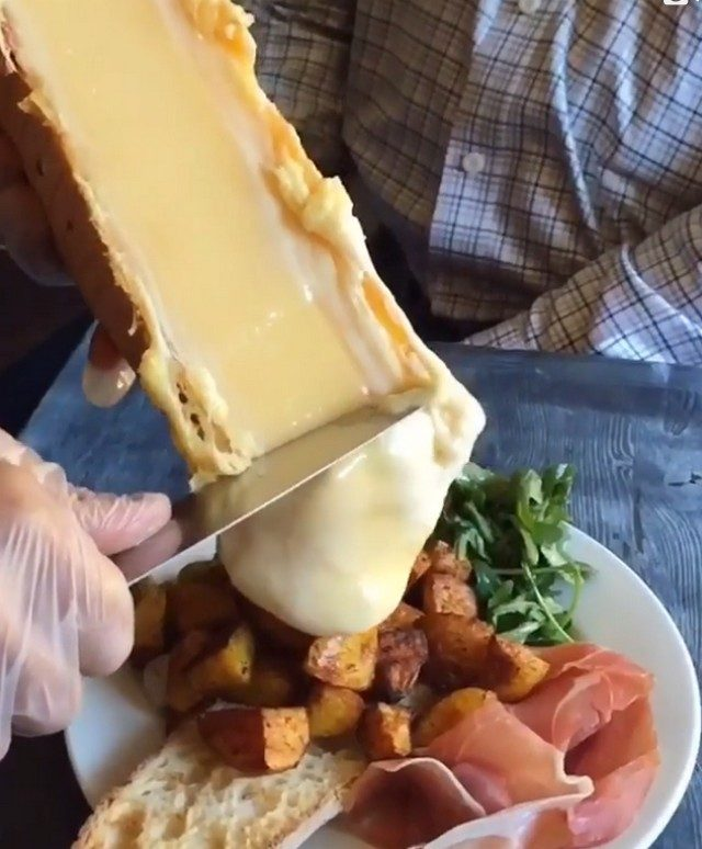 Как приготовить картошку с мясом и грибами в горшочке с фото