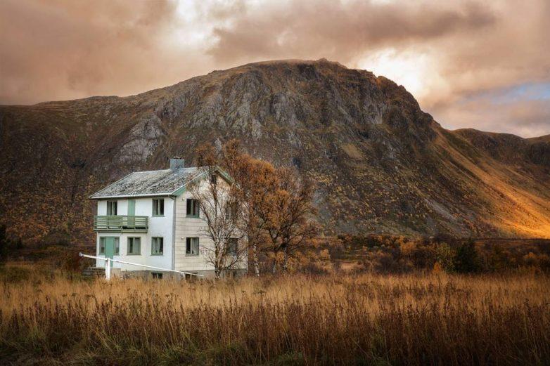 Атмосфера севера: одинокие опустевшие дома на снимках норвежского фотографа
