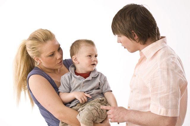 Между дочерью и отчимом плохие отношения