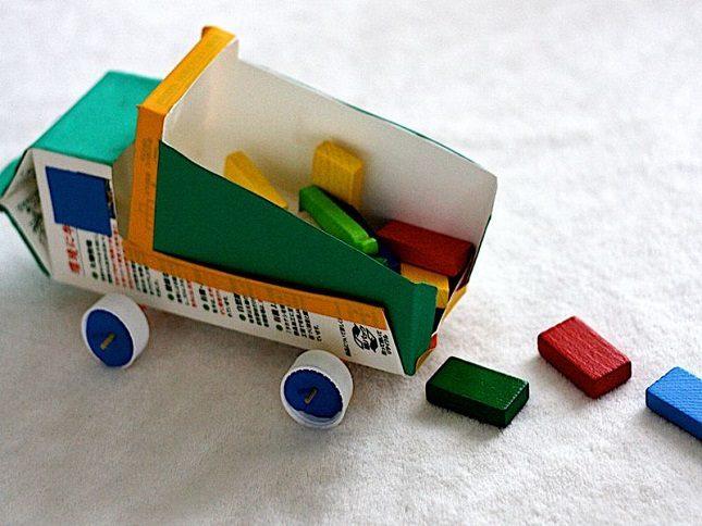 Игрушки для мальчика из подручных материалов своими руками