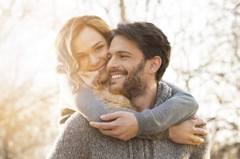В каком возрасте мужчины и женщины наиболее привлекательны для противоположного пола