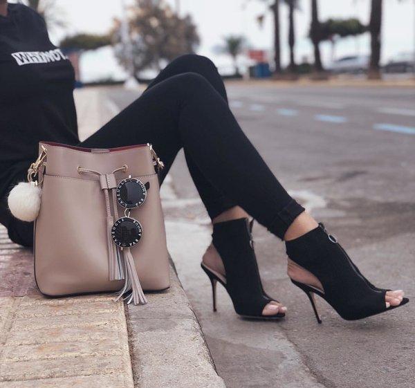 Стильные обувь и сумки этой осени
