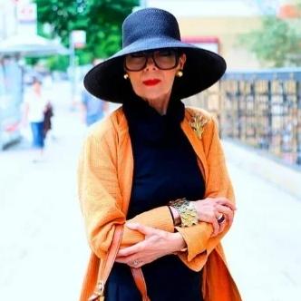 Как должна одеваться женщина, которой за 50