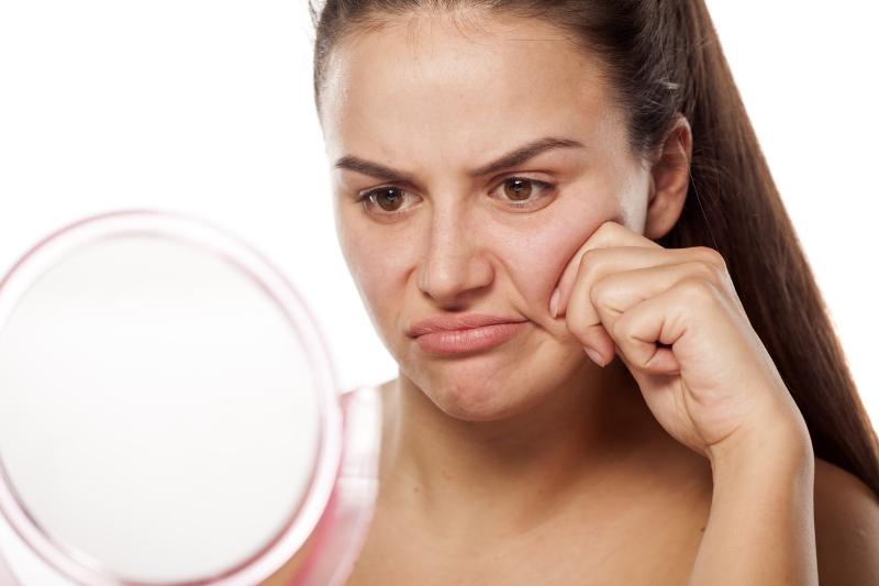 Как подтянуть овал лица с помощью незамысловатого массажа