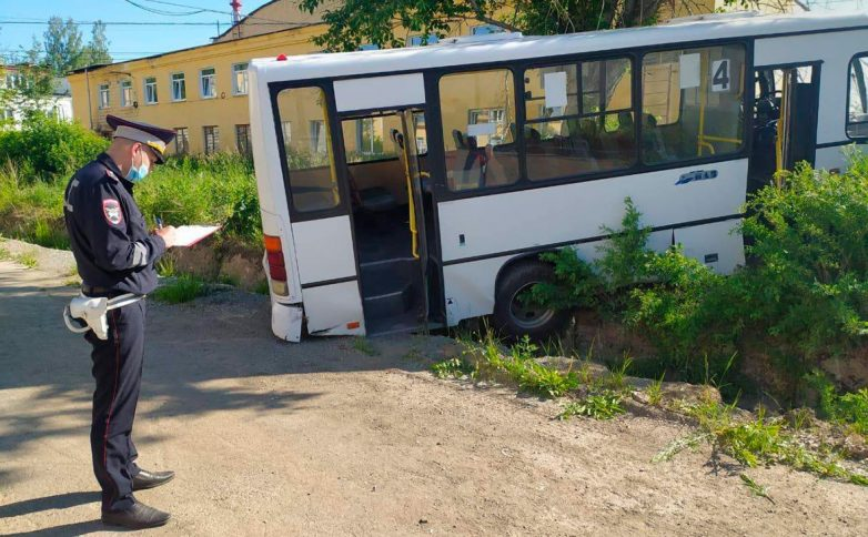 6 человек погибли, 15 получили травмы в ДТП с автобусом в Свердловской области