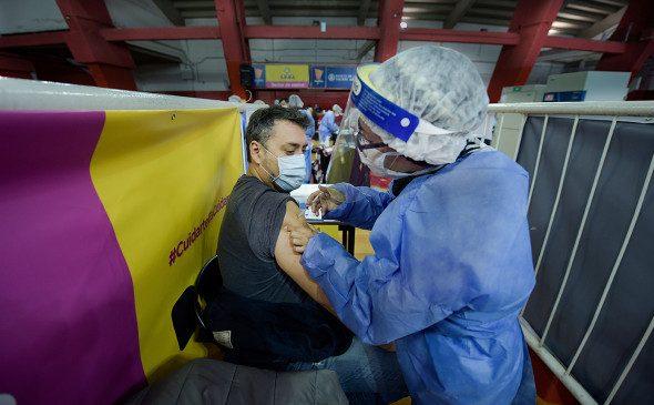 В Аргентине раскрыли данные о побочных эффектах у привитых «Спутником-V»
