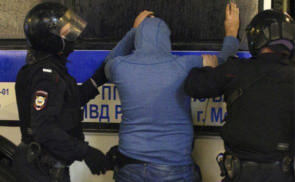 Мигранты устроили массовую драку в Москве