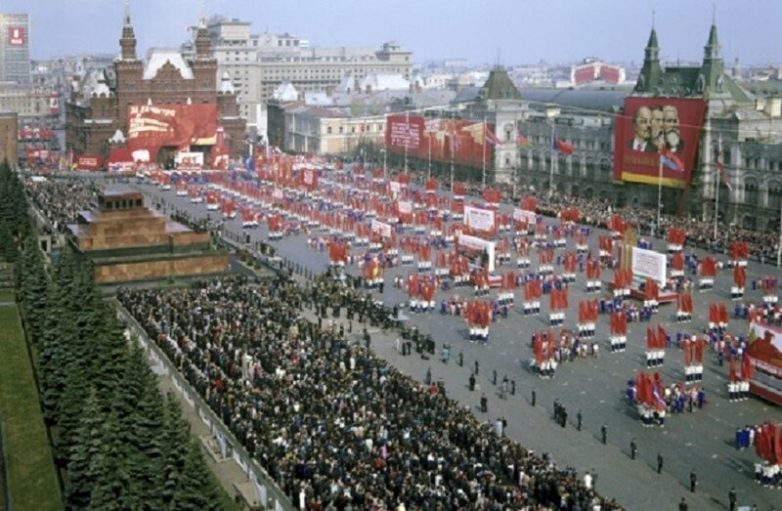 Как отмечали первомай в СССР?