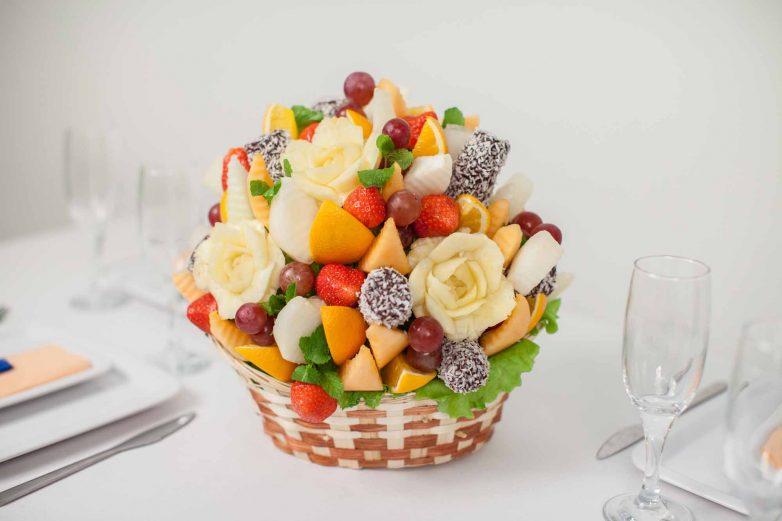 Съедобный букет из фруктов своими руками