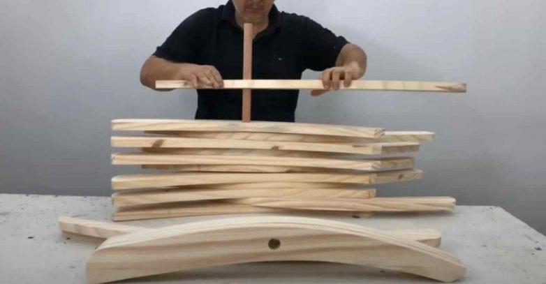 Удобный складной стул из дерева