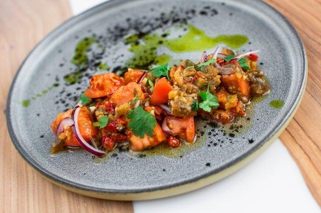 6 теплых постных салатов из овощей, круп и орехов