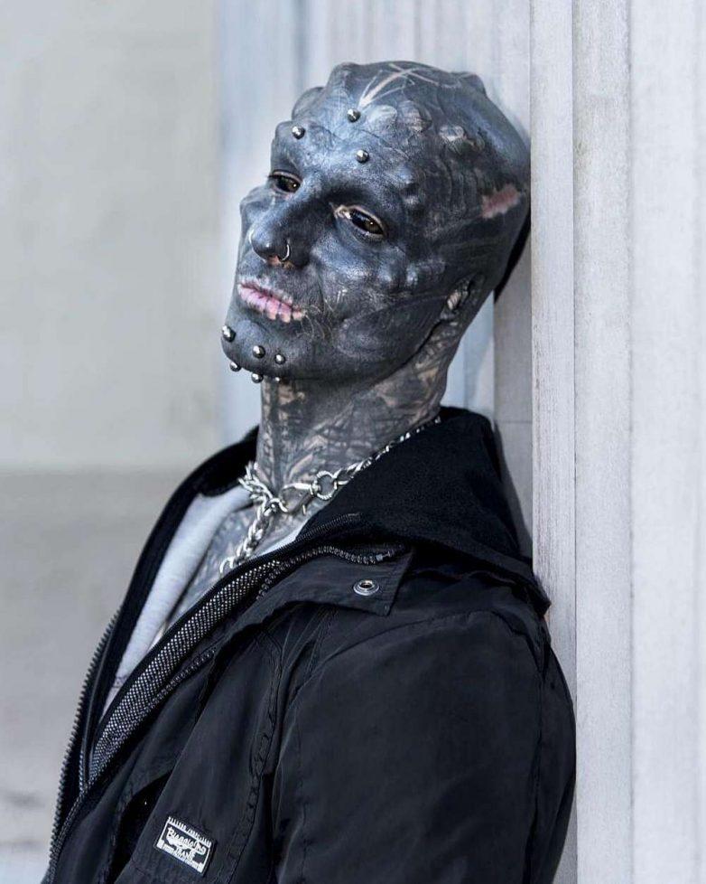 """Как красавчик превратился в """"чёрного пришельца"""""""