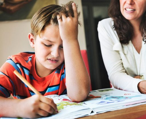 Названы основные ошибки родителей при попытке заставить детей учиться