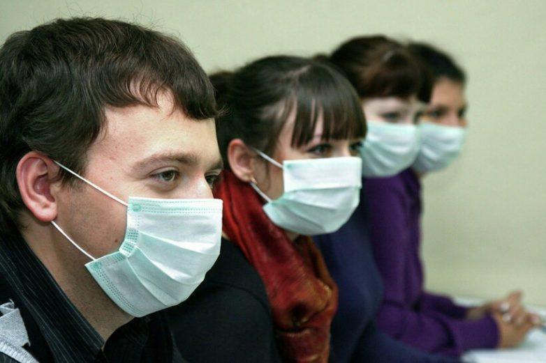 Экологи предложили строить дороги из использованных масок