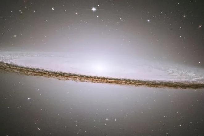 Галактики превращаются... галактики превращаются... в ярчайшие квазары