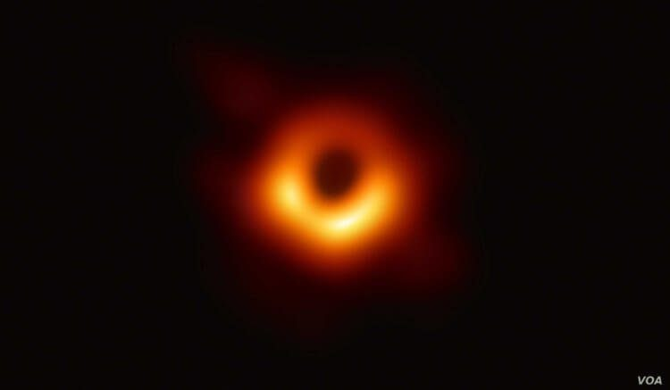 Учёные, кажется, объяснили парадокс чёрных дыр. Но легче не стало
