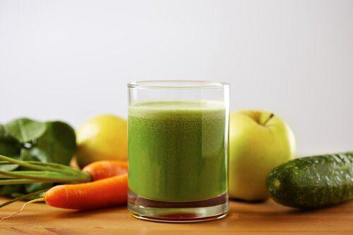 Зелёные смузи для снижения высокого кровяного давления