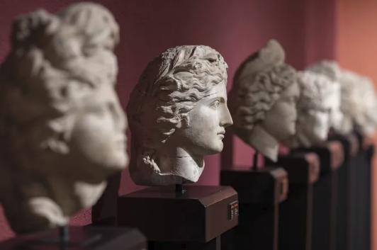 Что с вами будет, если вы случайно уничтожите бесценный артефакт в музее?