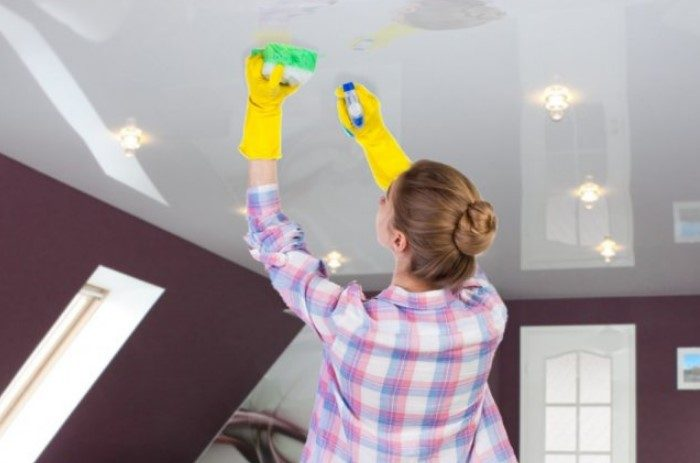 Что делать, если нерадивые соседи вас затопили и на потолке образовались жёлтые пятна?