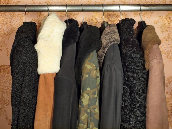 13 ошибок в хранении одежды и обуви, которые могут их уничтожить