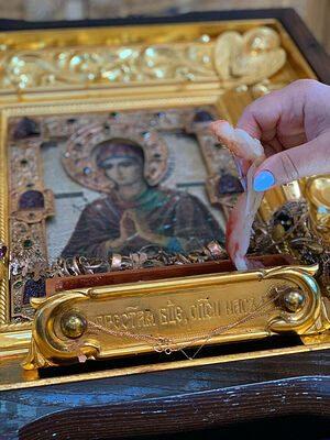 Недавнее чудо: икона Богородицы кровоточит кровавым миром