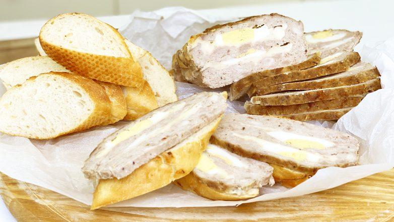 Если у вас есть фарш, приготовьте мясной хлеб - это заменит любую колбасу!