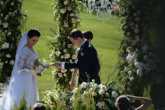 вам свадьба сына игоря крутого фото выскочить