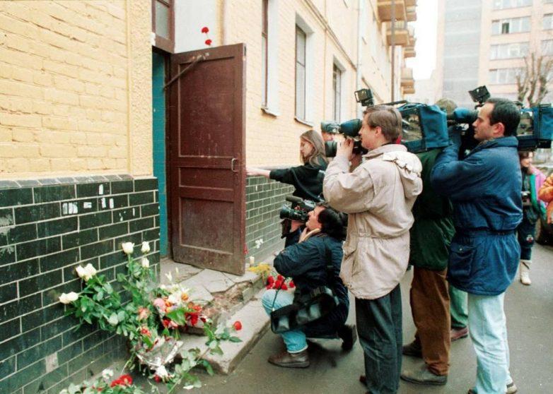 Коллеги, олигархи, мелкий криминал: кто же убил Влада Листьева?