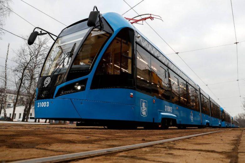 Дочь олигарха заставят расплатиться за повреждённый трамвайный вагон