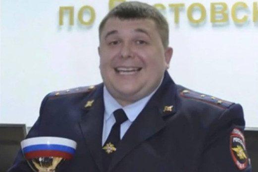 У главы ГИБДД района в Ростовской области нашли оружие и драгоценности