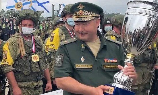 Генерала Минобороны арестовали за взятки и эксплуатацию солдат