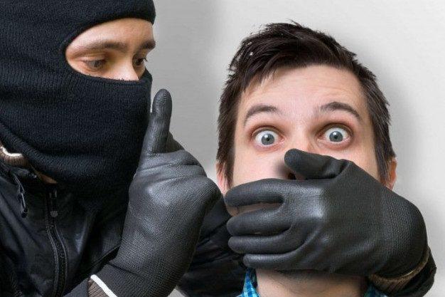 «Вызывайте полицию – меня грабят!»: почему важно выбирать не только квартиру