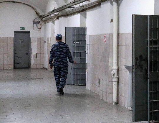 Двух офицеров ФСБ обвинили в создании банды для совершения разбоев