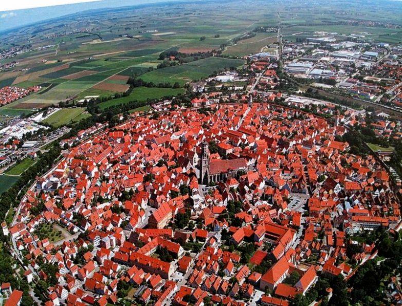 Нордлинген — уникальный город, расположенный в метеоритном кратере