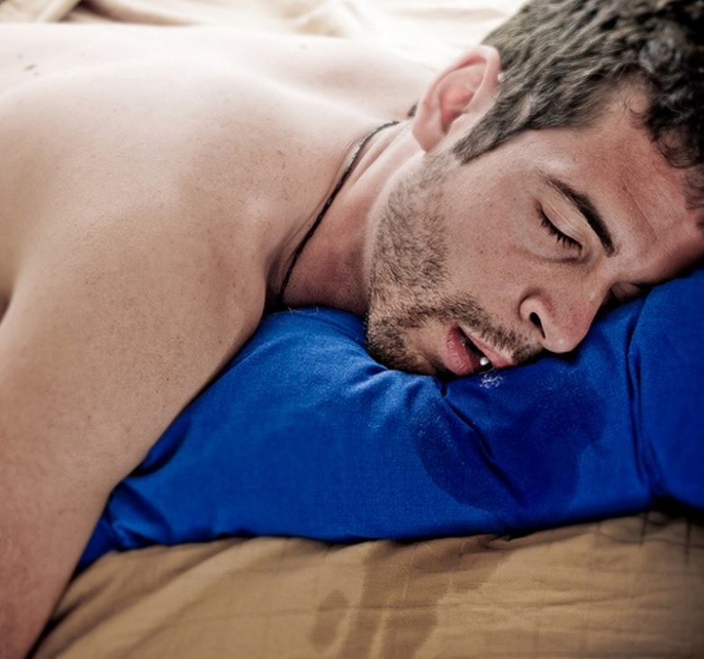 Слюни во сне картинка
