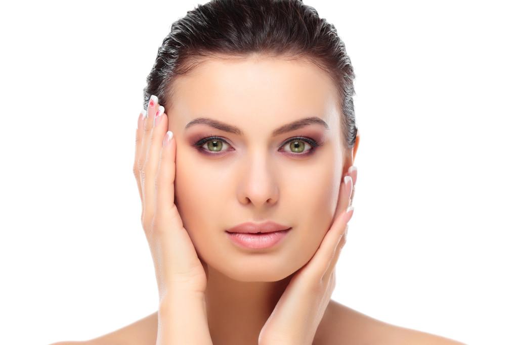 Вечерние привычки, которые помогают сохранить молодость кожи