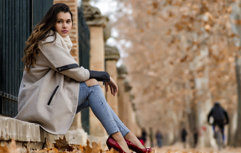 Как выбрать осеннее пальто, которое скроет все недостатки фигуры