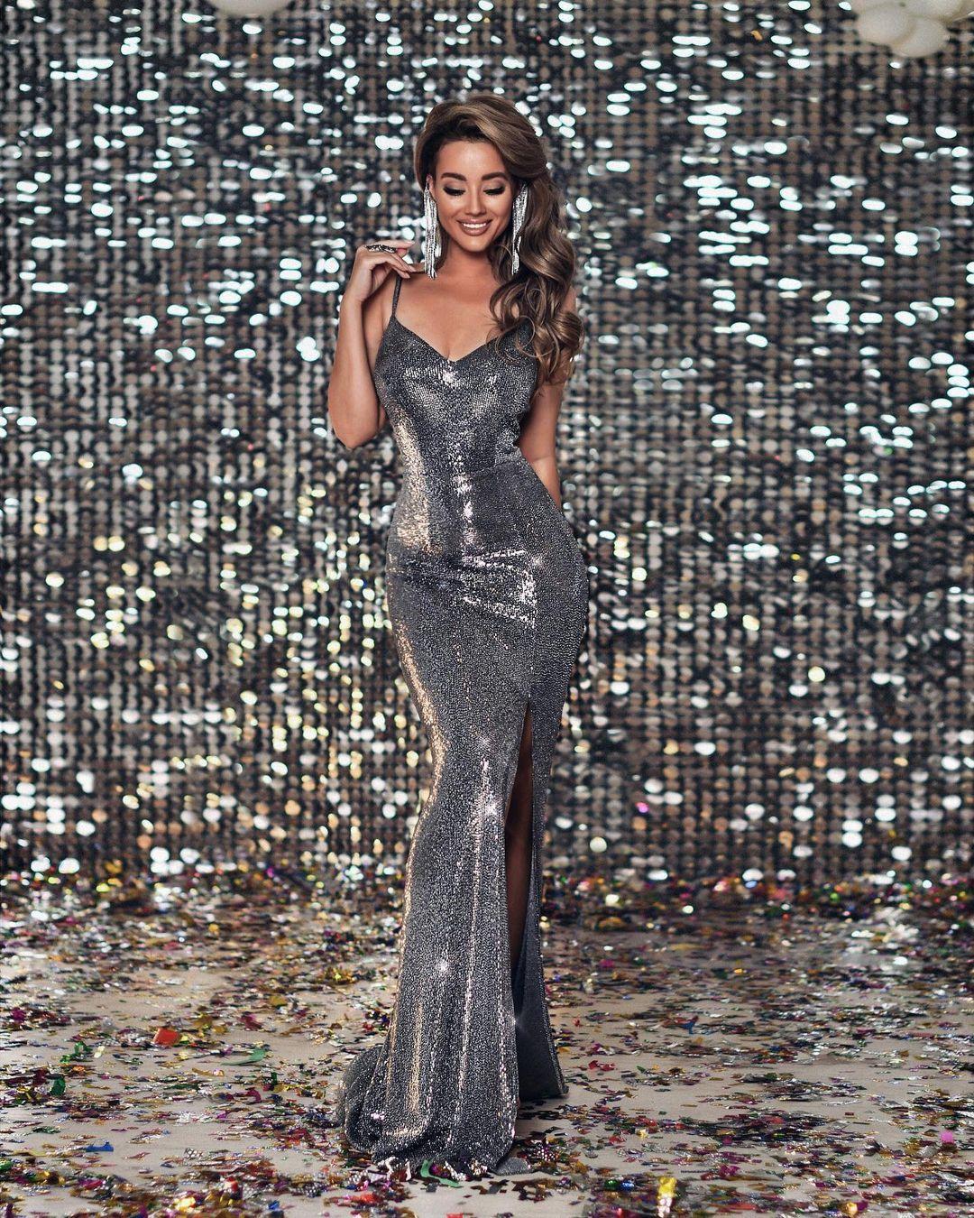 Самые красивые новогодние платья 2021